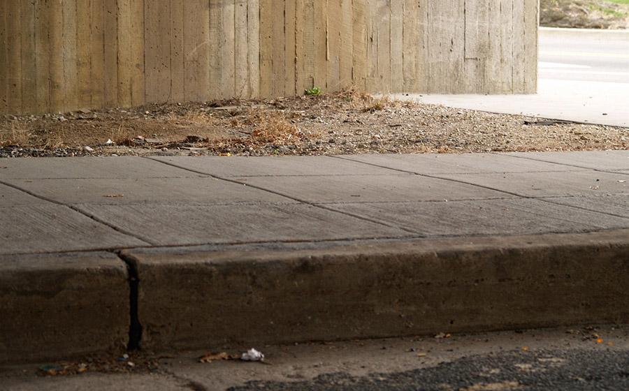 Street-Curb-Roll-Off-Skateboarding