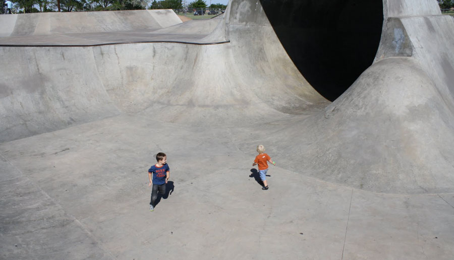 skate park kids ramps sliding