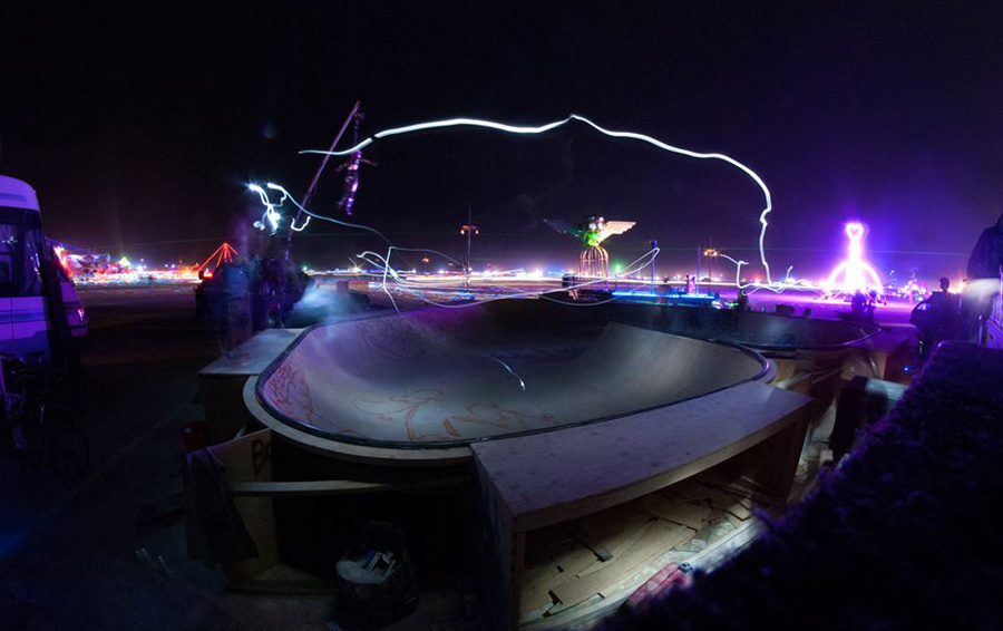 sk8 kamp at night / photo: albert rylo