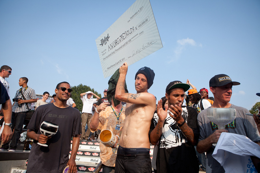 andrew reynolds winning maloof money cup in 2011