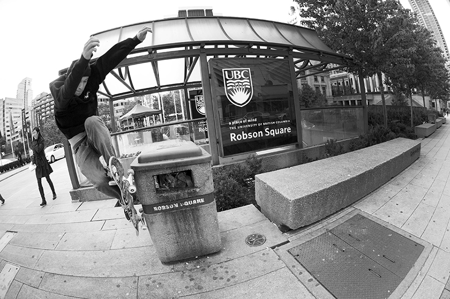 ben blundell agressive wallie / photo: keith henry